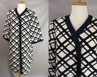 Maternity coat. vintage 60s Dress Coat. Alfred Werber Coat. Lightweight Women's Long Dress Coat. Blue & White Geometric Lines. Size L XL 14