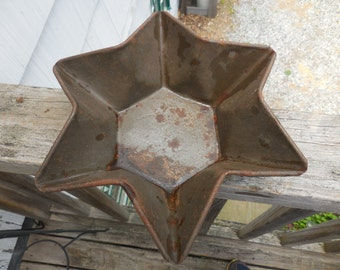 Vintage 1930s to 1940s Star Rusty Metal Baking Pan Six Pointed Star Retro Art Deco Farmhouse Country Home