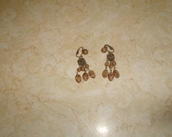 vintage clip on earrings goldtone wood seed bead dangles