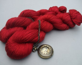 Queen of the Desert Lace. Rose Red