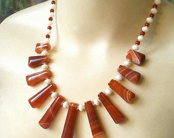 Collier Pierre d'Agate rouge orangé, Cornaline et Corail Blanc / Acier - Red Agate, white Coral and Carnelian necklace