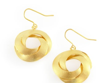 gold dangle earring, gold drop earring, round earring, round drop earring, unique dangle earring, golden earring, gold round earring, celtic