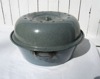 "Vintage 12"" Round Gray Graniteware Covered Roast Pot Pan with Deep Lid Set Raised Rings in Bottom"