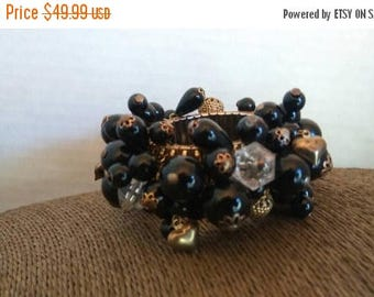 Now On Sale Vintage Black & Gold Beaded Cha Cha Bracelet 1940's 1950's Art Deco Chunky Collectible Jewelry Retro Rockabilly Accessories