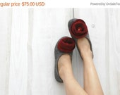 Felt slippers Women slippers Woolen clogs Valenki Womens home shoes Natural wool Traditional felt Handmade slippers House shoes