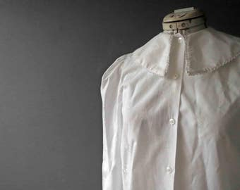 Vintage 80s White Poly Cotton Pilgrim Collar Blouse Gathered Sleeves Small