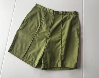 vintage 1950s 1960s Paddle and Saddle green cotton shorts / size large