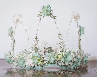 Flower Crown - Mint Green Wire Crown - Fairy Crown - Green Flowergirl hairpiece -Newborn Photo Prop - Wedding Crown - Floral Hairpiece