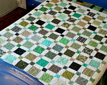 Twin Quilt, Quilted Blanket, Green White, Full Bed Quilt, Large Throw, Dorm Bedding, Reversible Quilt, Patchwork Quilt, Quiltsy Handmade