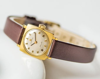 Square Certina New Art woman's watch, gold plated AU 20 lady's watch, waterproof woman watch, retro timepiece gift, new luxury leather strap