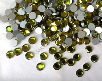 20 pcs Swarovski Crystal Flatbacks Olivine 30ss SS30 (6.32-6.5mm)