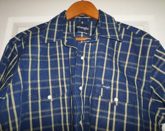 Vintage Wrangler Shirt Large Blue Pearl Snap Buttons Long Sleeve