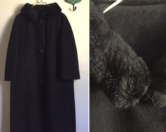 Vintage 1960s black wool coat, faux fur collar coat, heavy winter coat, vintage coat, long coat, 60s coat, wool coat, large coat, oversized