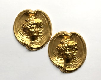 Brass Cameo Lady, Brass Stampings, Brass Lady, Dimensional Stamping, Vintage, Brass, Patina Brass, B'sue Boutiques, 64 x 60mm, Item0848