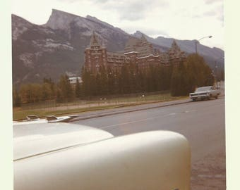 "Vintage Snapshot ""Roadside Attraction"" Out Of Frame Car Hotel Mountains Kodacolor Found Vernacular Photo"