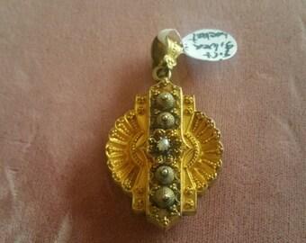 Antique Ornate Gold Filled Memento Locket lg.
