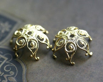30%OFF SALE Filigree bead caps, Antique gold, vintage looking, ornate - 14mm - 2Pc - F112