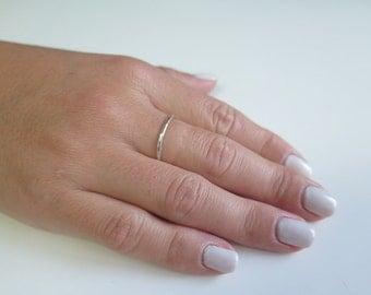 925 Silver Ring, Thin Hammered Ring, Minimal Hammered Silver Ring, Stacking Silver Ring, Stackable Ring, Hammered Ring, Minimal Silver Ring