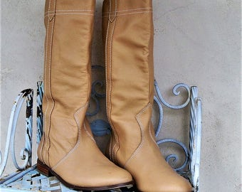Tall women's boots, Light tan leather, Vintage Colin Stuart, Size US 9/10, Round toe boots. flat long boots, Buttery tan, brown boots, boho