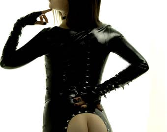Latex pencil SPANKING SKIRT black with spikes SMALL