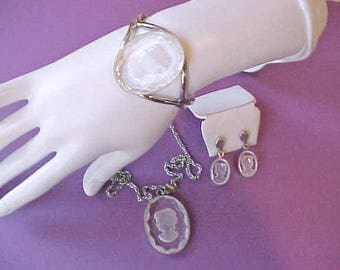 Lovely Vintage Jewelry Parure-Bracelet, Necklace and Earrings with Intaglio Glass Cameos-3 Part Set