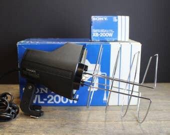 Vintage Sony Video / Photography Light // HVL 200 W // Extra Bulb