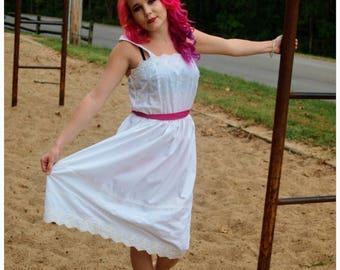 Vintage White Eyelet Lace Sundress Fuchsia Belt Hippie Boho Summer Fashion