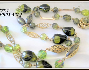 Green Art Glass Bead Necklace - Vintage Single Strand Necklace - 30 Inches Long - Green Glass Crystals - Vintage Jewelry