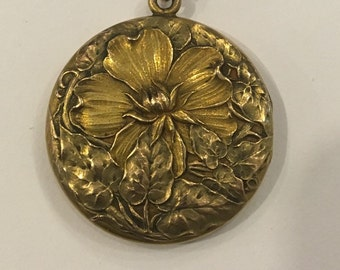 c. 1890 Aesthetic Movement Goldfilled Locket
