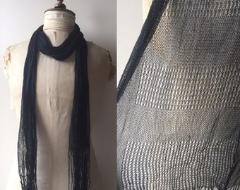 SALE! 1920s knitted scarf