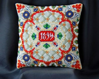 Renaissance inspired by Fabergé Mini Cushion Cross Stitch Kit