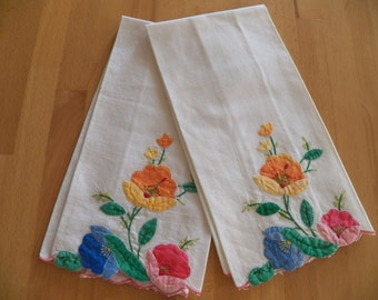 Vintage 1960's Cotton Appliqued Guest Towels with Vibrant Flowers