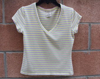 Pastel stripe size medium top vintage 90s