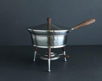 Vintage Stainless Steel Chaffing Dish Three Legged Mid Century Modern Atomic Similiar to Austin Munson Design 18-8 Stainless Japan