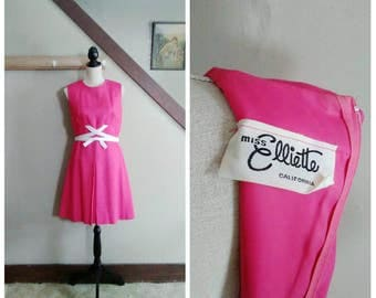 Charmed By You 1960s Miss Elliette Raspberry Pink Linen Shift Dress with White Bow Detail