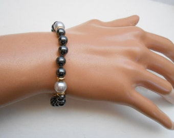 Antique 14K Gold Natural Pearls Black, and White Bracelet 6.5 inches 14K Clasp and Beads