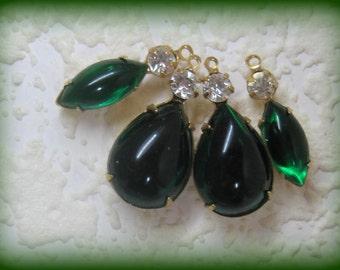 Smooth Emerald Green Pear shape Navette Set Rhinestone Multi Stone Brass Setting Pendant 2R