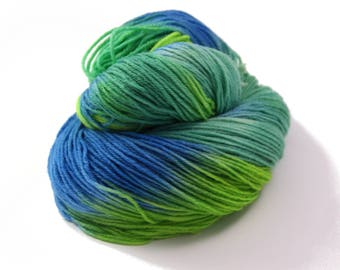 Hand Dyed Yarn Sock Yarn - Hand painted Sock Yarn Merino - Yarn Fingering - indie dyed yarn - kinitting - OOAK - green, blue, turqoise