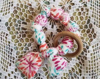 Colorful Baby Teething Ring, Rattle, Baby Fabric Wood teether with Ring