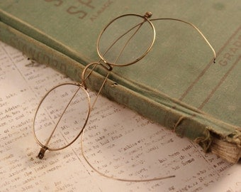 VIntage Wire Framed Eye Glasses Gold Tone