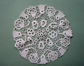 Vintage IRISH CROCHET Attractive Hand Made Doily