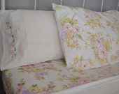 vintage full bedding set: flat sheet, fitted sheet, 3 pillowcases