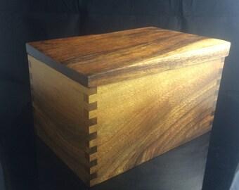 The Small Walnut Keepsake / Jewelry Box