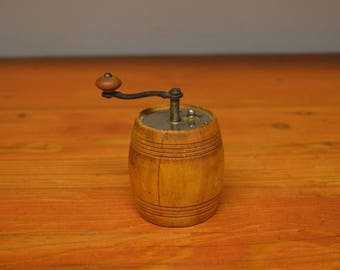Vintage French wood pepper mill Marlux France