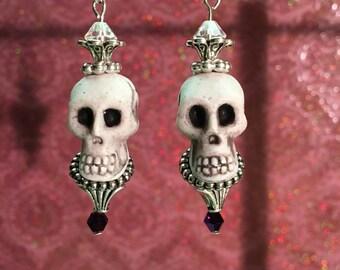 Goth Skull Earrings, horror jewelry, horror earrings, creepy jewelry, skull earrings, Halloween earrings, goth earrings