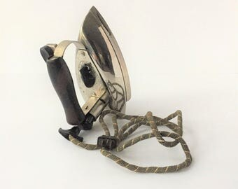 General Electric Clothes Iron, Vintage GE Iron, 1940s Iron in Working Condition, Vintage Small Appliances