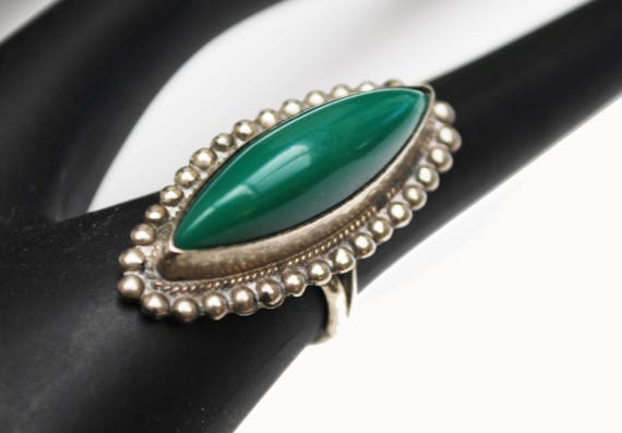 Carved Green Onyx  ring - size 5 - Signed Silver Mexico
