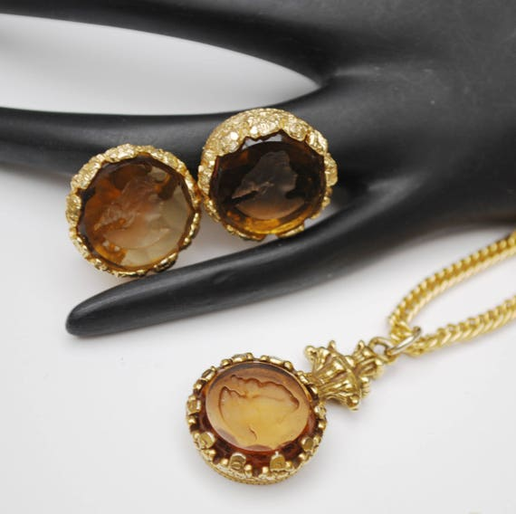 intaglio cameo necklace earring set  - reversed Carved - Women Profile - topaz brown glass - Champagne rhinestones - Gold plated