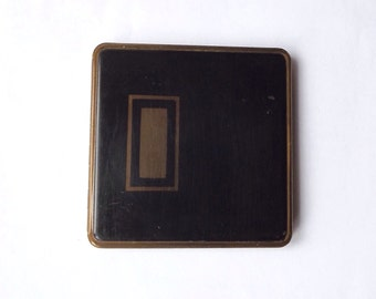 Vintage French Art Deco Powder Compact    (BX 01 )