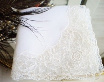 Retro Bridal White Hankerchief With Lace Flower Edge/Heirloom Wedding Hankie/Tea Party/Mother of The Bride/Gift
